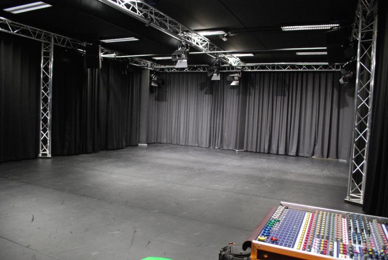 Haarlemmermeer lyceum drama lokaal hoofddorp projecten for Hoofddorp theater